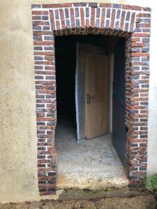 Porte entrée grange Bourg Achard